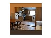 2 double rooms in attractive shared house close to General Hospital