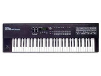Roland D10 Keyboard Vintage Synth Works but needs some attention.