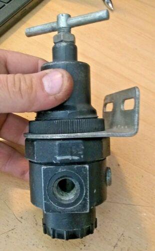 NORGREN PNEUMATIC REGULATOR REDUCED PRESSURE RANGE 0-125PSI MAX SUPPLY 300PSI