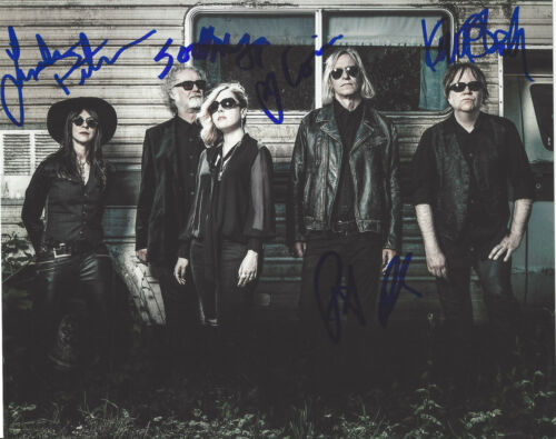 FILTHY FRIENDS BAND SIGNED AUTHENTIC 8X10 PHOTO COA X5 PETER BUCK CORIN TUCKER