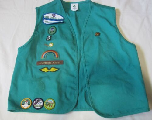 Green Girl Scout USA Uniform Vest - Sz Large  Preowned w/ Patches Badges Pins