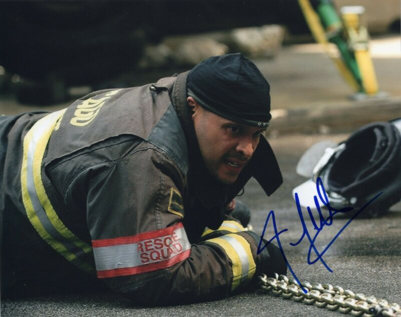 Joe Minoso signed 8x10 Photo w/COA Chicago Fire Med P.D. Joe Cruz #3