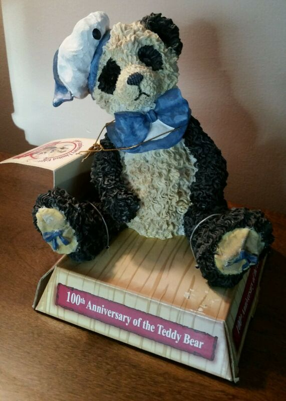 WENDELL VALENTINE 100th Anniversary of the Teddy Bear 2001 PANDA BEAR DANDEE