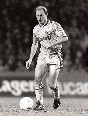 Original Press Photo Liverpool FC Steve McMahon 1990 (ref 102)