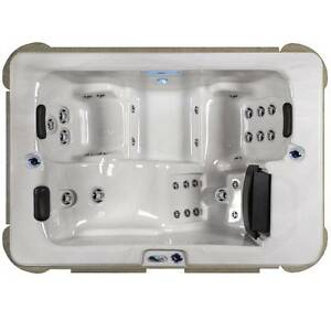 WANTED TO BUY 3 seater portable spa South Perth South Perth Area Preview