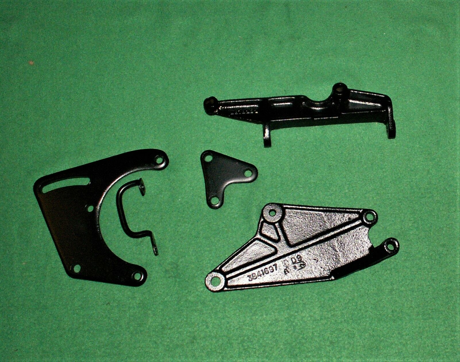 63 76 CORVETTE SMALL BLOCK SBC 327 350 AIR CONDITIONING A/C MOUNTING BRACKET SET