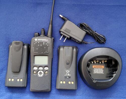 Motorola H46KDF9PW6BN XTS2500 Digital Portable Radio - Model II: Large display