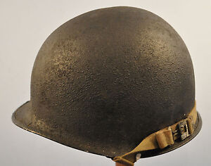 ORIGINAL WWII CIRCA 1942-43 US M1 FIXED BALE COMBAT HELMET~INTERESTING VARIATION