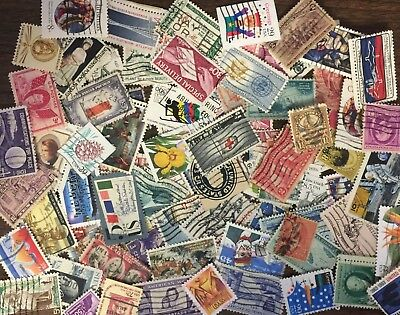 [Lot C] 100 different United States (US-USA) stamps. At Least 50% Commemoratives