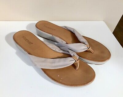 Inuovo | Taupe Tan Leather Thongs | Sz 41