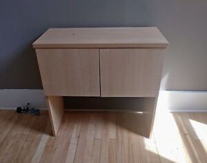 Stand table hutch