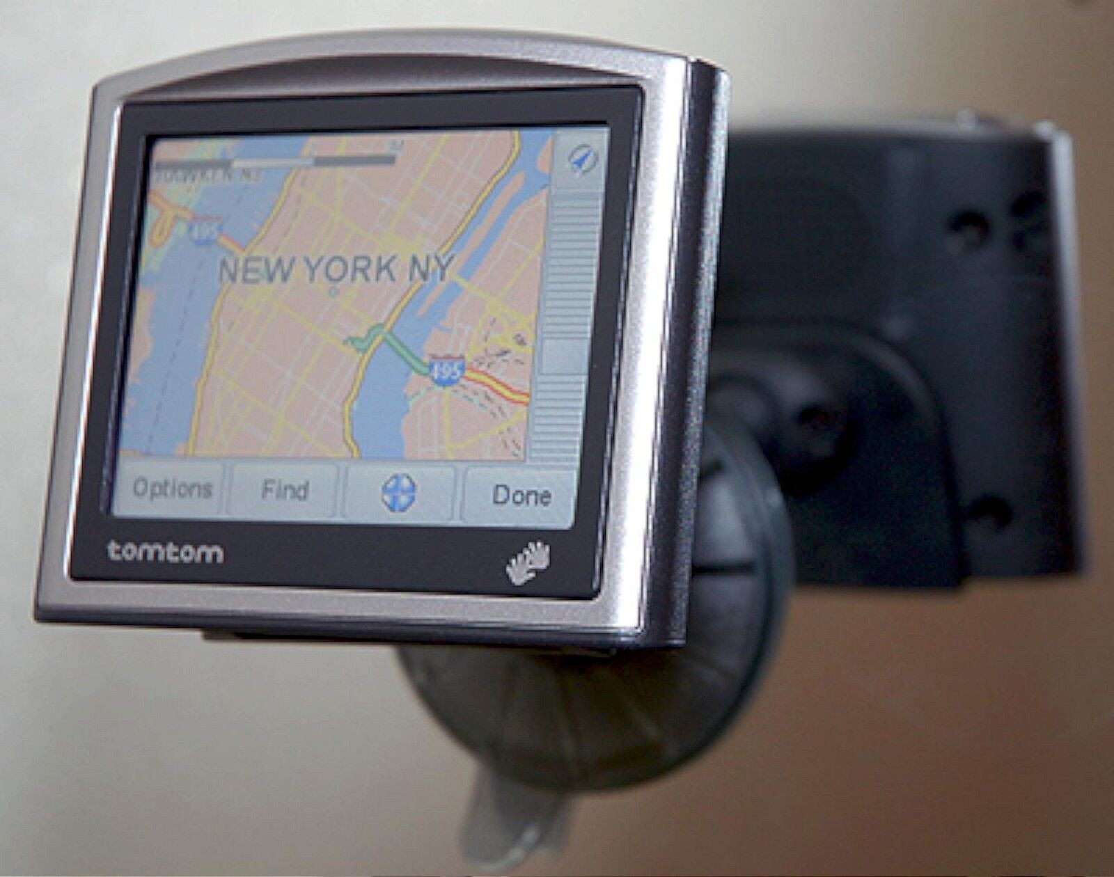 NEW TomTom ONE 2ND EDITION Portable Car GPS Set USACanada Maps