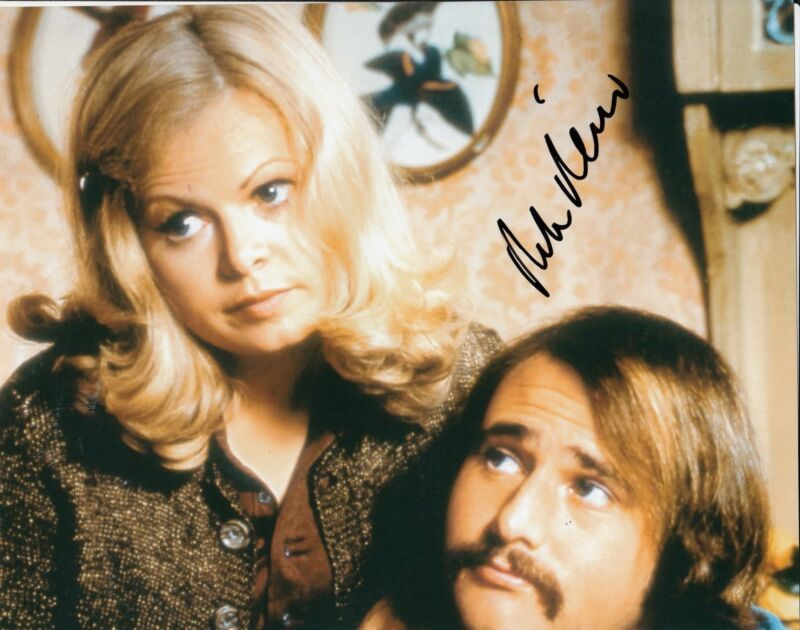 ROB REINER signed (ALL IN THE FAMILY) 8X10 W/COA *Michael 'Meathead' Stivic*  #2