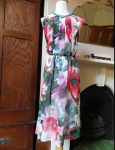 STUNNING SPORTSCRAFT NWT $239 DIGITAL FLORAL ,OCCASION DRESS 18 ,NEW Waterford West Logan Area Preview