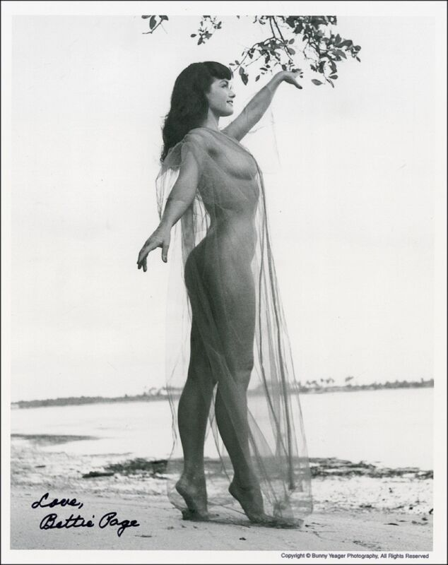 SIGNED RP Bettie Page B&W Photo 8X10 HOT SEXY Free Shipping