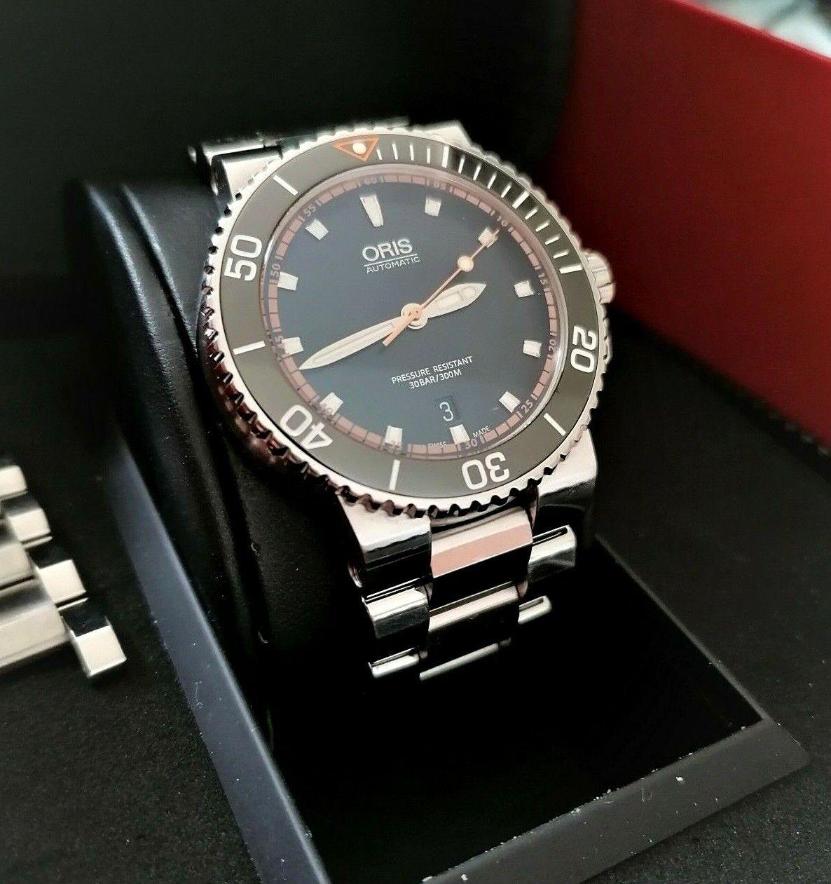 ORIS Aquis Date Black Dial Steel Men's Diver 43mm Case 733 7653. Full Set, Mint - watch picture 1