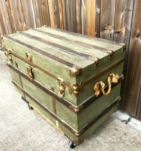 Antique Steamer Trunk-Great for Storage----PICK-UP Only Bartlett, TX