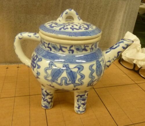 Antique Qianlong Chinese Blue & White Porcelain Teapot W/ 4 Legs