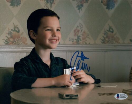 IAIN ARMITAGE Signed Autographed 8x10 Photo YOUNG SHELDON Beckett BAS COA