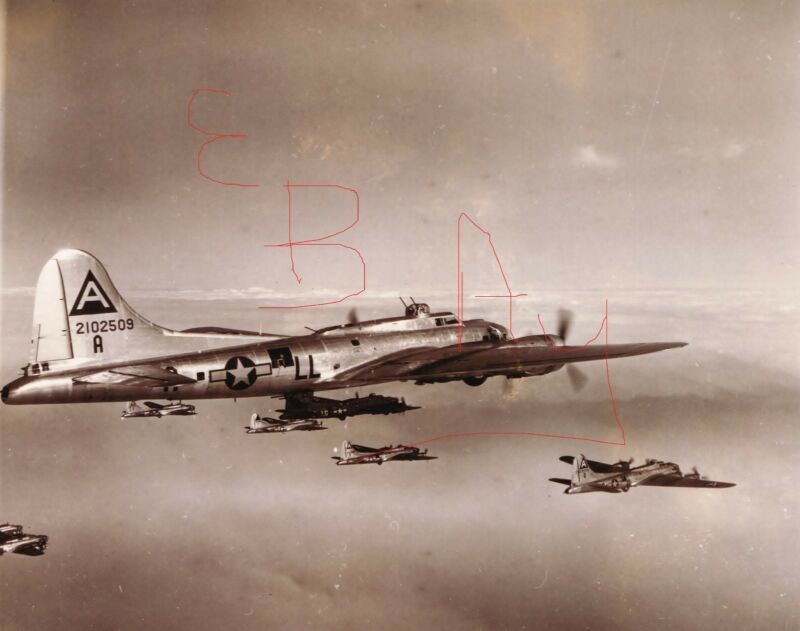 WWII  PHOTO 8X10 OF B-17 BOMBERS 91ST BOMBER GROUP IN ACTION OVER EUROPE LOOK