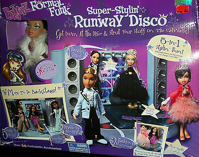 Bratz Runway Disco Dance Club Nevra Doll Discoteque Fashion Catwalk Xmas Gift