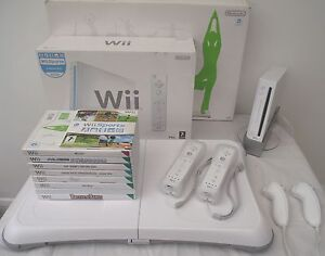 Wii-CONSOLE-Wii-FIT-BOXED-67-GAMES-INCLUDING-A-FREE-YEARS-WARRANTY