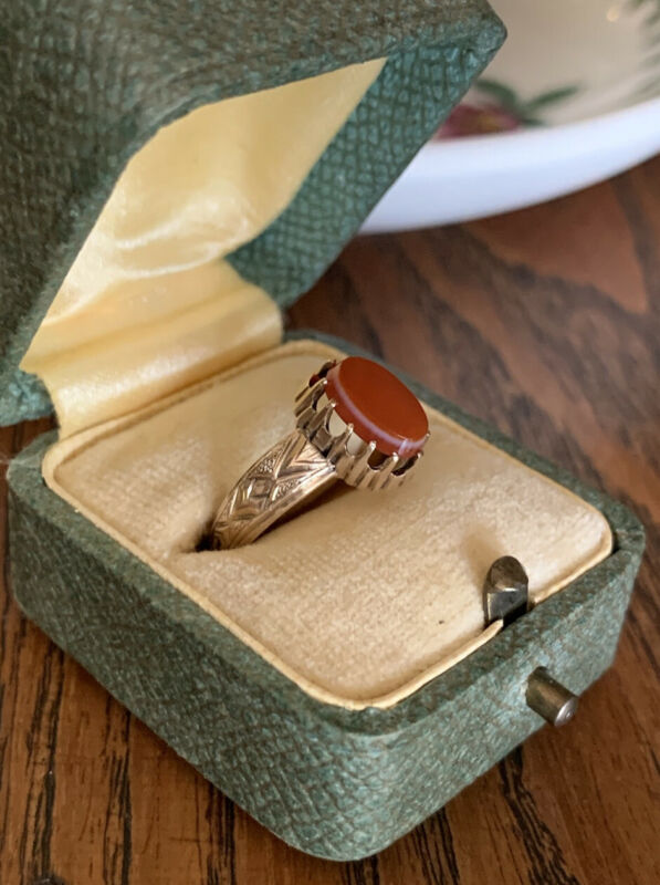 CARNELIAN Antique Victorian 10k Gold Signet Ring Oval Chunky Wide Band Tall Prng