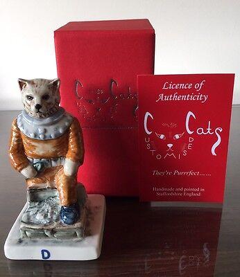 PEGGY DAVIES - DIVER CAT