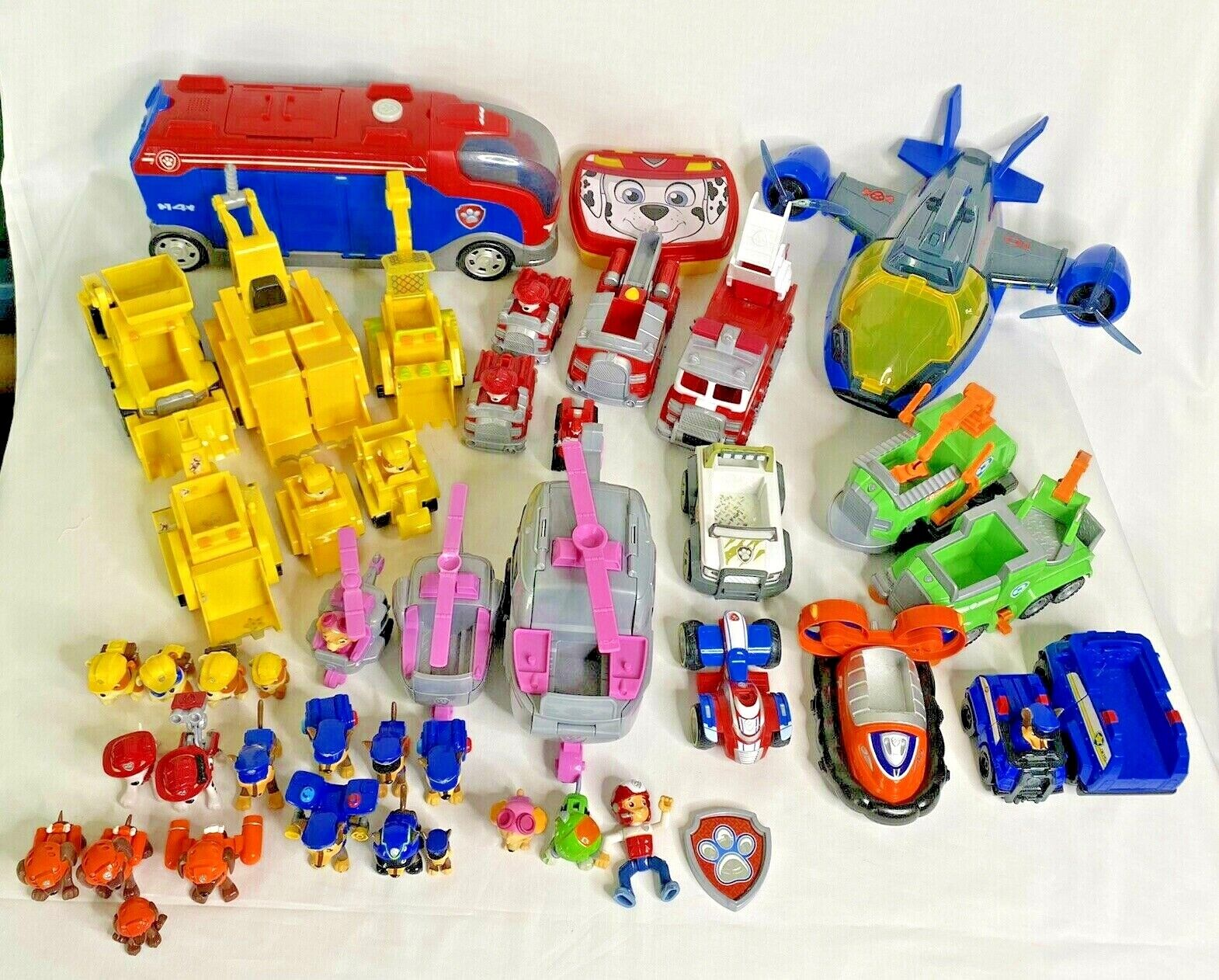PAW PATROL *HUGE* LOT Figures, Vehicles, Toys, Action Pups B