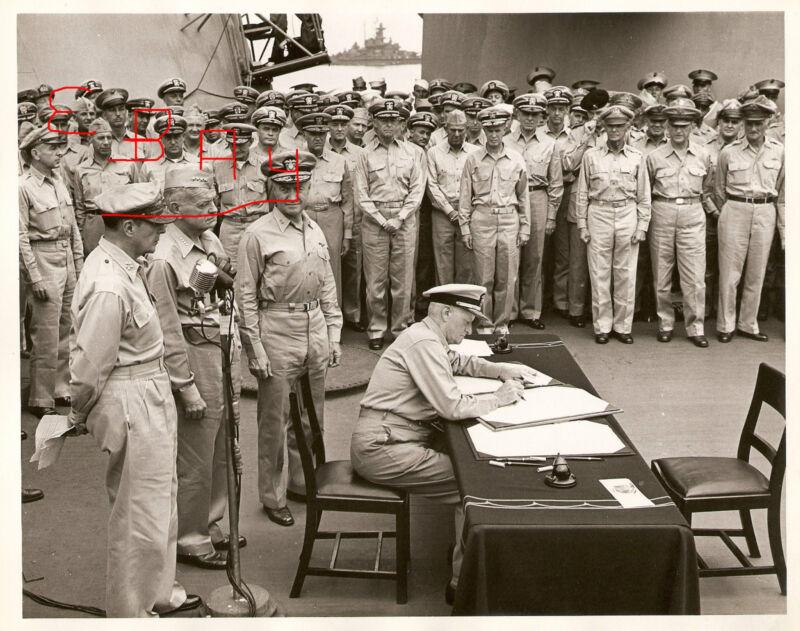 WWII 8X10 PHOTO U.S.S.MISSOURI JAPANESE SIGNING SURRENDER ADMIRAL NIMITZ SIGNED
