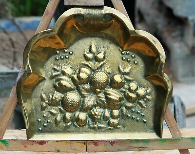 Antique Embossed & Chased Ornate Brass Crumb Scoop c1900/30 10.5ins wide