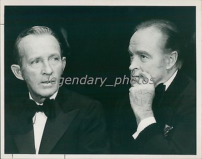 1974 Entertainers Bing Crosby With Bob Hope Original News Service Photo