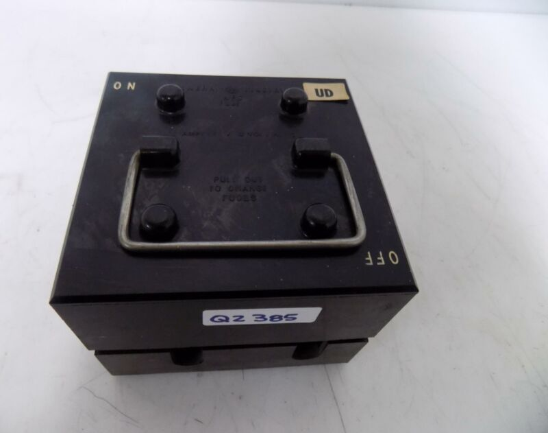 GENERAL ELECTRIC 60 AMPERES 250 VOLTAGE PULL OUT FUSE BLOCK