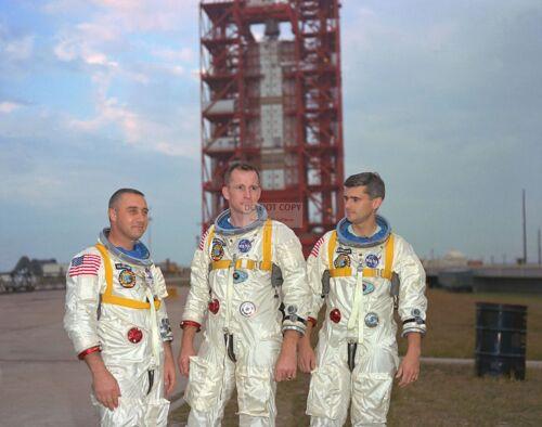 ED WHITE, GUS GRISSOM & ROGER CHAFEEE APOLLO 1 ASTRONAUTS - 8X10 PHOTO (EP-443)