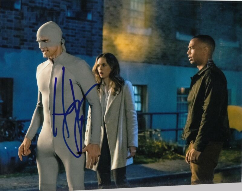 HARTLEY SAWYER signed (THE FLASH) 8X10 photo *Elongated Man* W/COA #2
