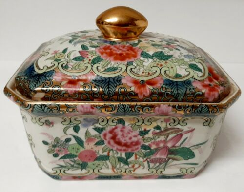 Vintage Chinoiserie Amita, Famille Rose Rectangular Lidded Box with Gold Lovely!