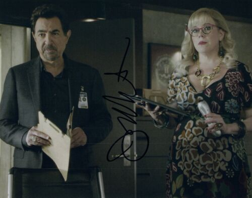 Joe Mantegna  Signed Autographed 8x10 Photo CRIMINAL MINDS Actor COA