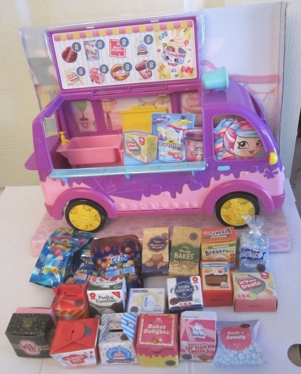 "SHOPKINS NEW SNACK TRUCK for 5"" DOLLS STILL ATTACHED IN BOX"
