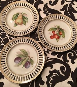 Antiques: 6 Ribbon Plates, Brass Andirons / Fire Dogs, Toaster