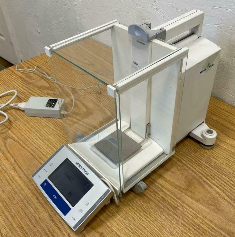 Mettler Toledo XS204 Analytical Balance Laboratory Scale, FACT, 220g/0.1mg