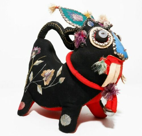 MID-20TH C VINT CHINESE FESTIVAL DRAGON EMBROIDERED STUFFED FIG W/MICA & BUTTONS