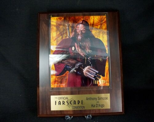 FARSCAPE 2002 CONVENTION SIGNED PLAQUE  by ANTHONY SIMCOE Ka D'Argo