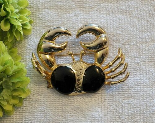 CLASSIC PIN BROOCH CRAB CRUSTACEAN PINCERS CLAWS OCEANS HERMIT GOLD TONE CH14