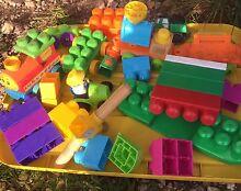 Mega blocks Elizabeth Town Meander Valley Preview