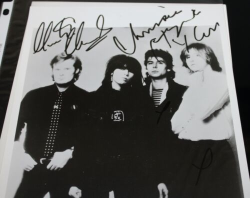 PRETENDERS CHRISSIE HYNDE MARTIN CHAMBERS SIGNED AUTOGRAPH #287 PHOTO PHOTOGRAPH