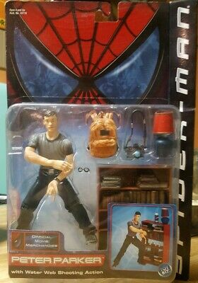 Spider Man Shooting Webs (Spider-Man Peter Parker with Water Web shooting Action ToyBiz 2002)