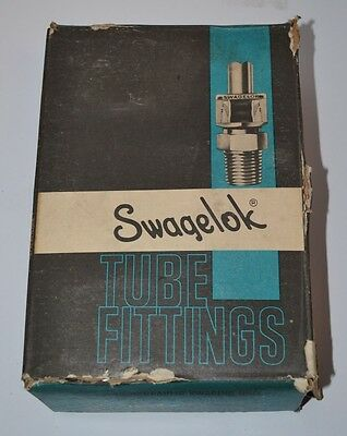 New Swagelok S-3200-3 Fitting 2 Union Tee - 2 Tube 3 Ports 438