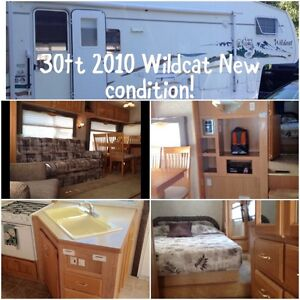 2010 30ft Wildcat 5th wheel & hitch included!