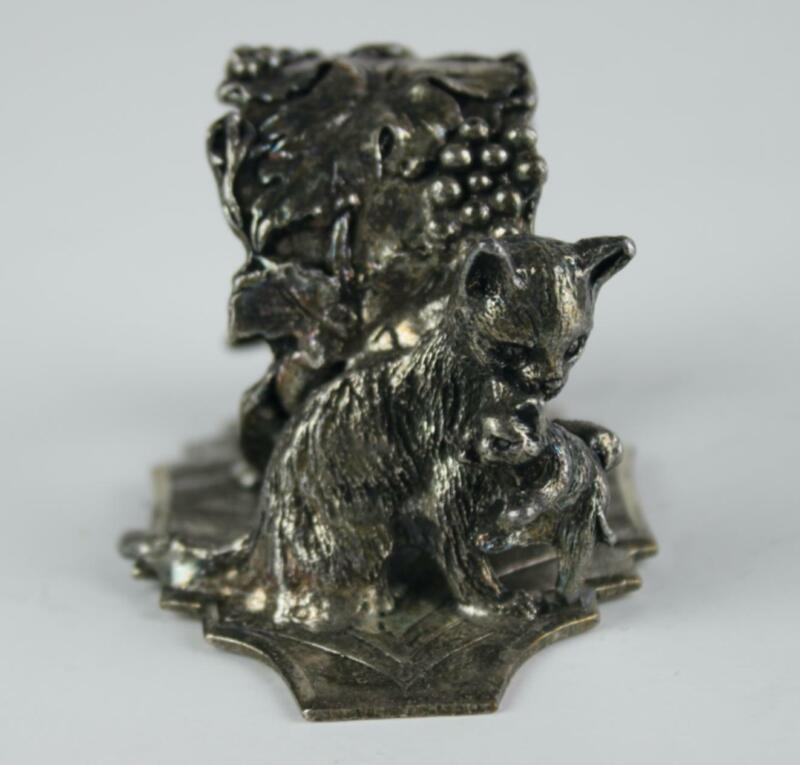 Vintage Cat with Kitten Grapes Silver Tone Napkin Ring Figural Large d3