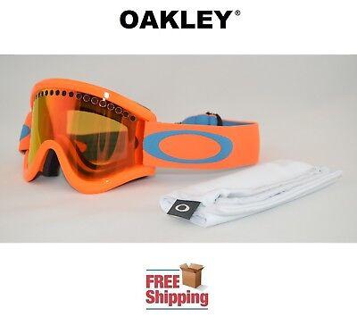 Winter Sports - Oakley Snowboard Goggles - Trainers4Me